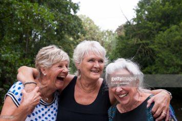 senior-women-laughing-516536297